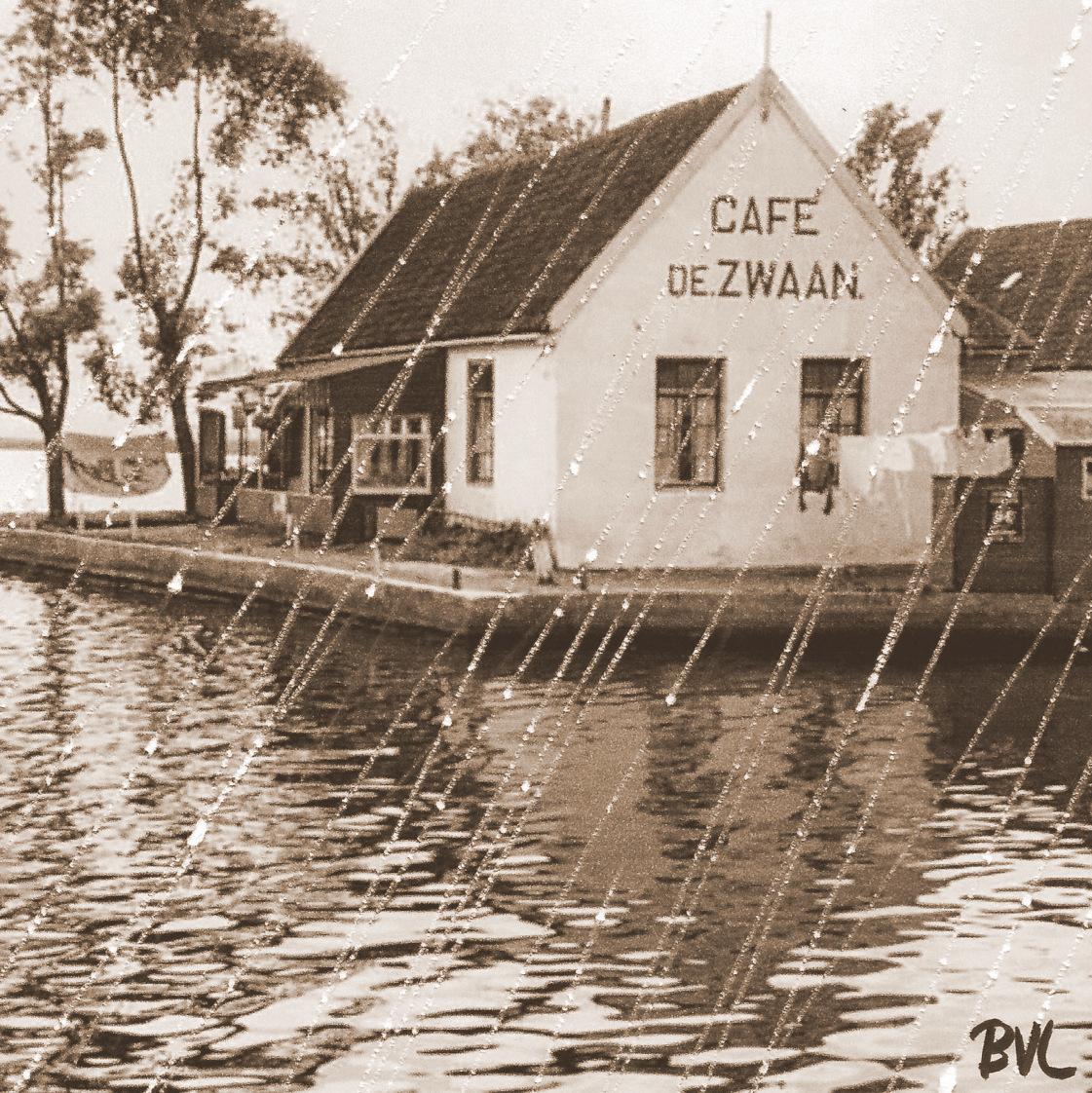 Café De Zwaan, W-Knollendam